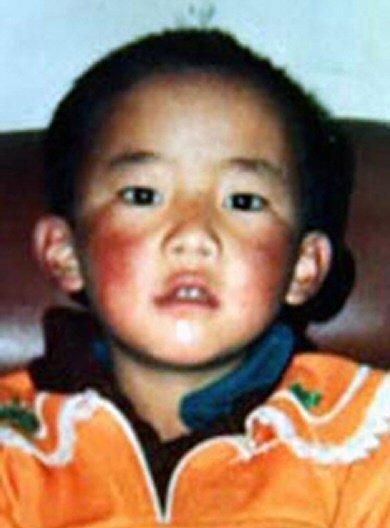 Guendun Choekyi Nyima, l'actuel Panchen Lama dans Tibet rad08a28